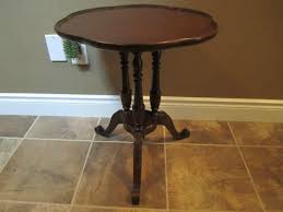 vintage round pedestal side end table for