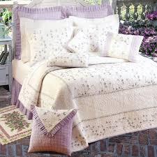Lavender Bedroom Decor Bedding 1000 Images About Purple Bedroom Decor On Pinterest Halo
