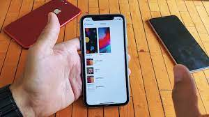 iPhone XR: How to Change Wallpaper on ...