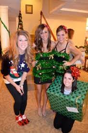 Sloppy Elegance DIY Christmas Tree Outfit Style Space U0026 Stuff Christmas Party Dress Up Ideas