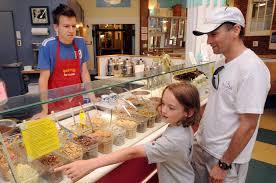 Ice Cream Server Herrells Ice Cream Of Northampton Serves Joy By The Scoop