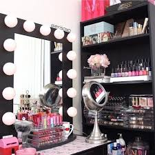 diy small makeup vanity
