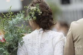 花嫁ヘアはサイドにお花アレンジがトレンド参考にしたい髪型14選