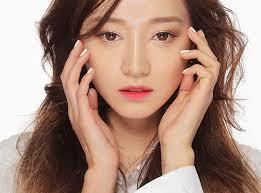 Resultado de imagem para maquiagem coreana simples