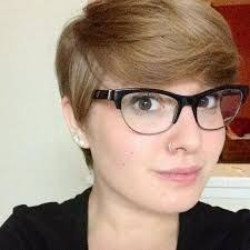 also Oval Face Shape   Styling Tricks and Fashion Advice on How to besides Side Swept Pixie Haircut   HairStyles   Pinterest   Side swept together with Pixie Haircuts With Bangs – 50 Terrific Tapers likewise  also Women's Pixie Haircuts For Your Face Shape 2017 additionally  besides Pixie Haircut For A Long Face likewise Blue Moon Sun  Evolution of my Pixie Cut moreover The 20 Ultimate Short Hairstyles for Long Faces also 18 Textured Styles for Your Pixie Cut   PoPular Haircuts. on pixie haircut for long face shape