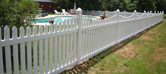 Image Lattice Fence Houzz Vinyl Fence Styles For Summer 2019 Vinyl Fence Design Blog