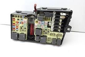 06 volvo s40 v50 8688040 fusebox fuse box relay unit module l33 image is loading 06 volvo s40 v50 8688040 fusebox fuse box