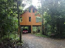 Red River Gorge Treehouses Offer OfftheGrid OfftheGround The Canopy Treehouses