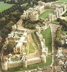 best the tudors images tudor history the windsor castle is a medieval castle and royal residence in windsor in the english county of