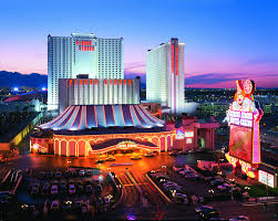 Las Vegas Two Bedroom Suites On The Strip Your Two Bedroom Suite Experience Includes Us Hotels Reviews