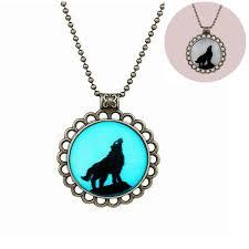 round pendant charm necklace chain 64d49d8d 2552 4f6e b92f 8c48e8223e85 jpg