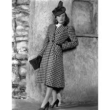 Priscilla Lane Modeling Houndstooth Coat 1939 Photo Print (16 x 20) -  Walmart.com - Walmart.com