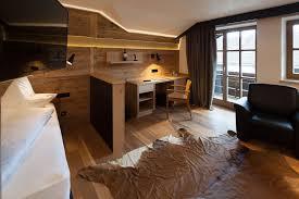 Altholz Wand Wohnzimmer