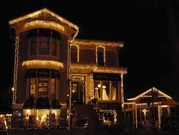 christmas home lighting. Photo Courtesy: Sanfrancisco.travel/ Union Street Association Christmas Home Lighting