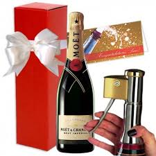 moet chandon brut imperial chagne with decorker gift set