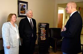 u s department of defense photo essay resilience defense secretary robert m gates and his wife becky meet dr