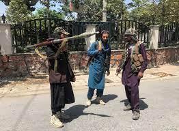 """وعود بلا قيمة"""".. معاناة صحيفة أفغانية تحت حكم طالبان"""