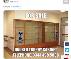 epl mourinho reacts after tottenham s