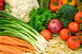Роль и значение овощей в питании человека польза норма для чего  Актуальным остается вопрос о том для чего нужны овощи в процессе функционирования тонкого и толстого кишечника Пожилые люди часто страдают от запоров