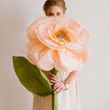 Diy Giant Paper Rose Flower Diy Project Giant Paper Flowers From Ruche Design Sponge