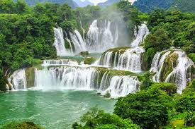 the ban gioc detian falls from china