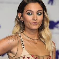 Paris Jackson Proudly Shows Off Hairy Legs On Red Carpet