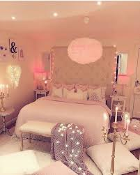 39 Amazing and Inspirational Glamour Bedroom Ideas | The Sleep Judge