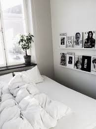 black and white wall decor for bedroom