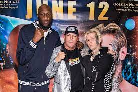 Is Lamar Odom-Aaron Carter fight a sign ...