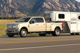 2017 F250 Towing Capacity Chart 2019 Ford F 250 Vs 2019 Ford F 350 Whats The Difference