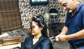hollywood hair salon is one of the best name especially in haircut they provide best services with their professional and trained staff