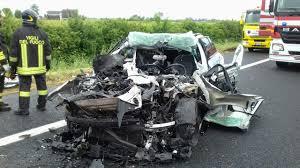 Con l'auto sotto un camion, un morto in A4 ad Annone Veneto ...