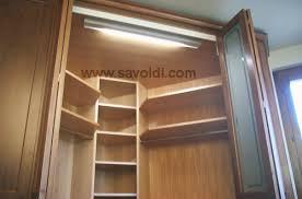 Armadio Angolare Per Ingresso : Cabina armadio ad angolo per arredamento camera da letto