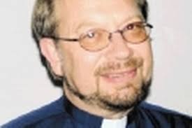 A COMMUNITY rector is leaving after more than seven years in his post. Dr Tudor Griffiths was rector for six churches in Hawarden, including St Deiniol's. - 13264658jpeg