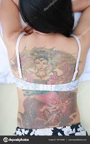девушка дракон тату сексуальная брюнетка девушка с дракона