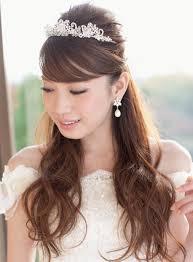 姫系ティアラを乗せるだけゲストをうっとりさせる上品で華やかな王道