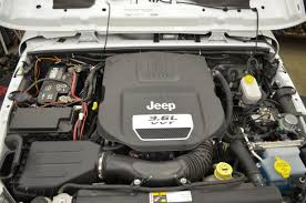 2012 wrangler jk dual battery upgrade jp k adventure magazine under hood 2012 jku 3 6 pentastar