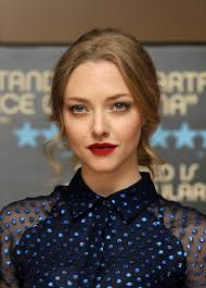 amanda s oxblood lips topped off her retro look
