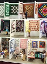 Image result for quilting designs for border of miniature quilt ... & Miniature Quilt Show! Weiss jemand, wer der/die Künstler/in ist ? Est-ce  que quelqu'un sait qui est l'artiste ? Adamdwight.com