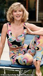 Share anthea turner quotations about home, taxes and property. Sebastian Shakespeare Anthea Turner 59 Empties Her Wardrobe Of Age Inappropriate Clothes Daily Mail Online