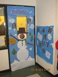 winter door decorating contest. Walking Winter Door Decorating Contest