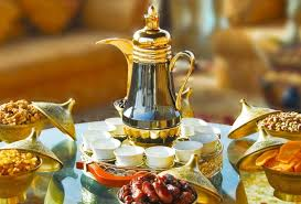 ١ تقديم الشاي والقهوة للضيوف. سفرة قهوه موسوعة إقرأ سفرة قهوة كشخة سفرة قهوة انستقرام ترتيب سفرة الطعام الأرضية