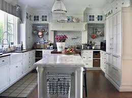 Painting the White Kitchen Cabinets : Painting the Kitchen Cabinets