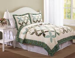 Quilts, Quilted Bedspread Country Cross Farfalla Set & Classic Country Cross Pattern Farfalla Quilt Set Adamdwight.com