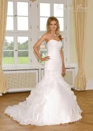 Rund um Brautkleider allerlei Informationen über Schnitte, Stile ...