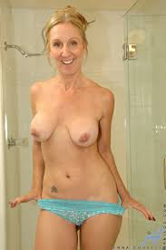 XXX porn dot pictures Dripping wet milf with big tits fucks a.