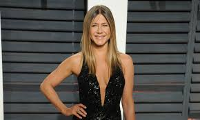 jennifer aniston s natural academy awards glam copy the look at home