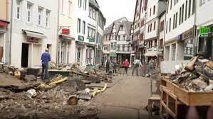بعض منازلها بُني قبل 400 عام.. فيضانات ألمانيا تدمر بلدة تاريخية - CNN  Arabic