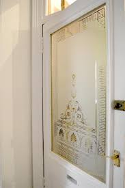 reion of a decorative victorian etched glass door panel for this queens park home glasgow