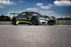 Fotostrecke Aston Martin Präsentiert Vantage Varianten Gt3 Und Gt4 Sportscar Info De